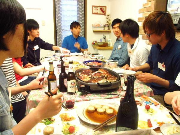 韓国からの留学生とホームパーティー形式でレッスンしました。