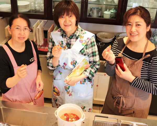 冬の季節薬膳で使う薬膳素材の調理法を説明しています。