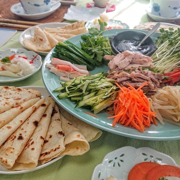 春餅レッスン♪中春野菜をいっぱい詰めて召し上がれ!