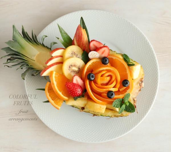 アレンジが楽しいパイナップルボート