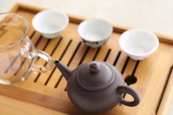 試食タイムには中国で取得した中国茶評茶員のお話も!