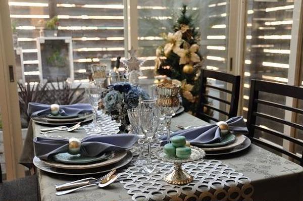 クリスマスレッスン時にはテーブルコーディネートでお出迎え。