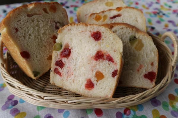 7月中級メニュー:ココナッツミルクのトロピカル食パン