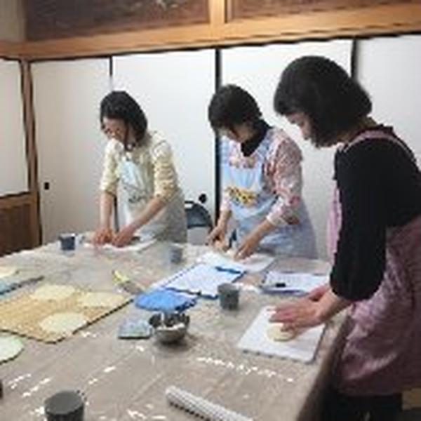 4月「女性のための漢方」 手作り春餅です。赤羽教室