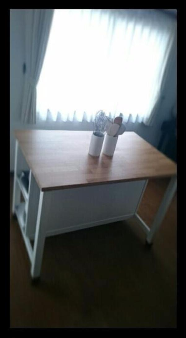 自宅キッチンとは、別の作業台で作っていただきます。