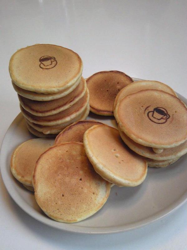 無添加パンケーキは焼印でプロ気分