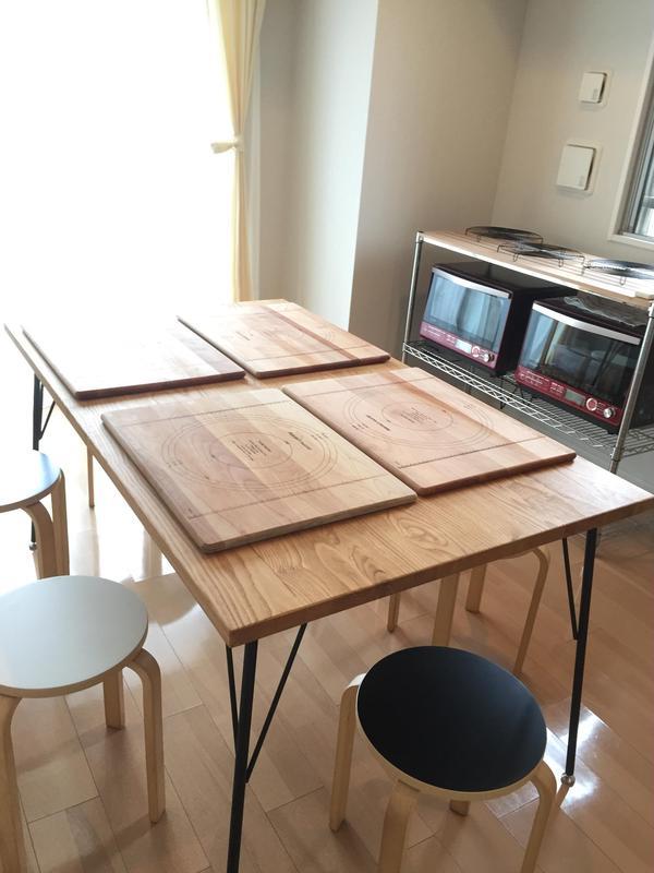 マンションのお部屋で。オーブンは家庭用の物を使います。