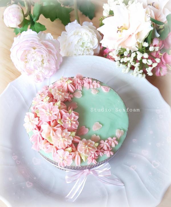 桜のフラワーケーキ🌸レッスンサンプルです❣️