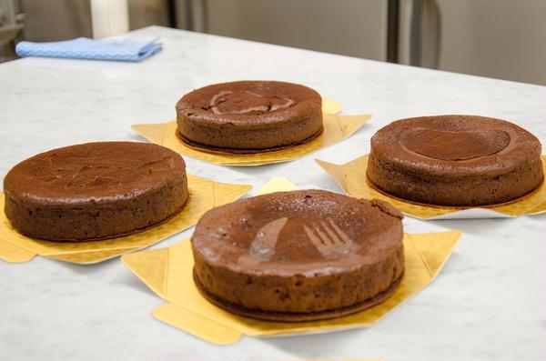 グルテンフリーチョコレートケーキ教室での生徒さんの仕上がり