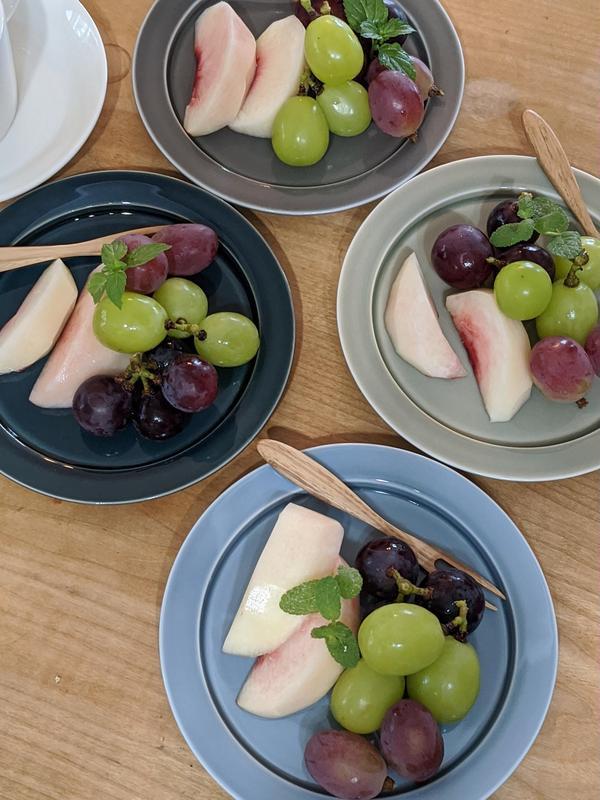 葡萄食べ比べ