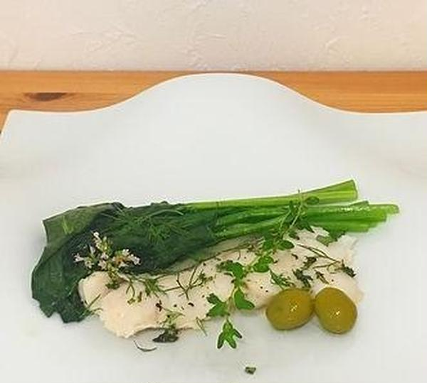 -Menu E-白身魚の香草蒸し焼き 温野菜添え