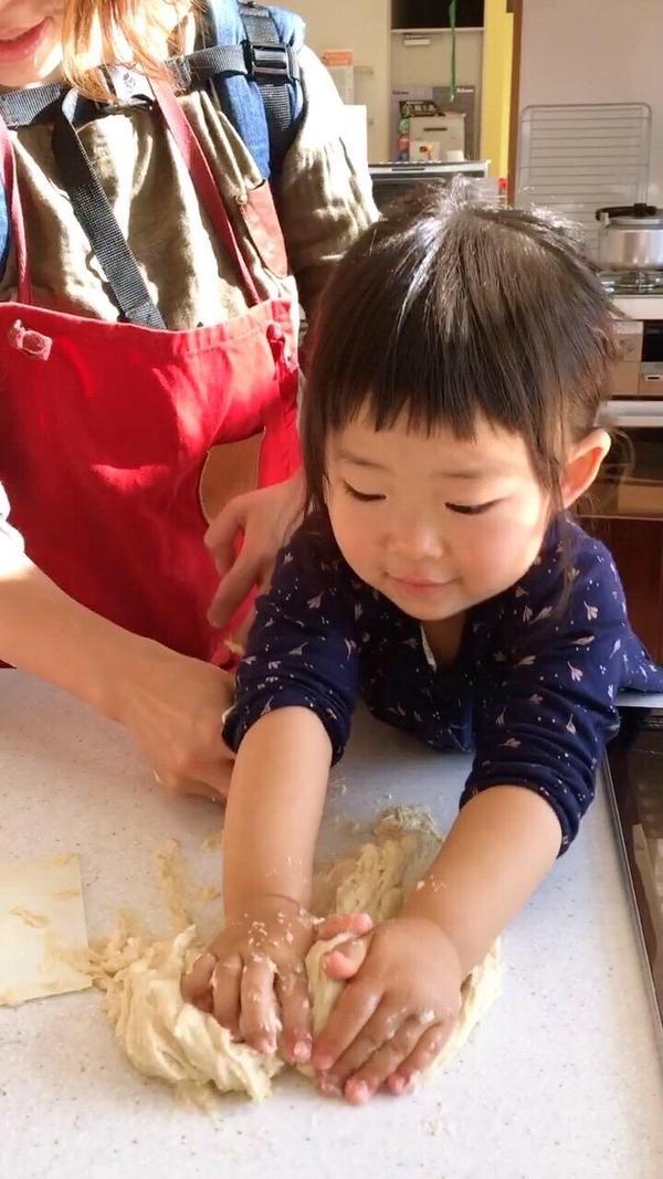 パン作りデビューはなんと2歳!