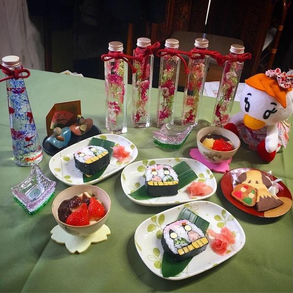 お花やアートのお教室とのコラボ企画もあります。
