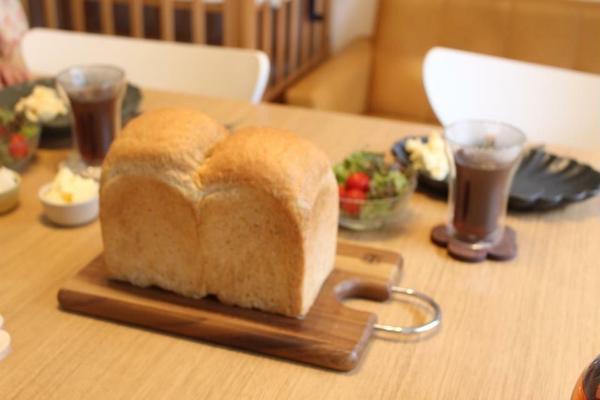 第1回レッスンは《黒小麦の食パン》でした♡