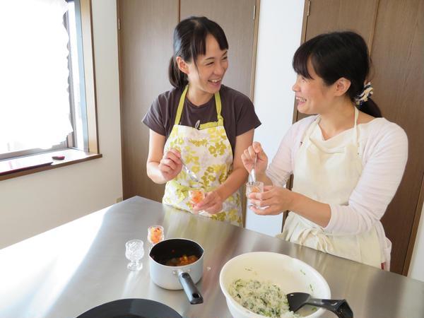 大きな調理台でゆったり盛り付け(^-^)