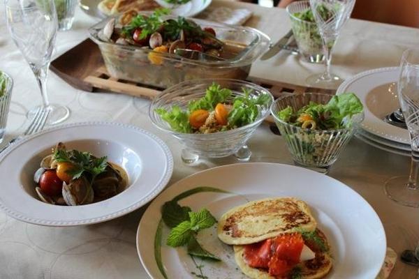 豪華ロールキャベツ・クスクスサラダ・ジャガイモのパンケーキ