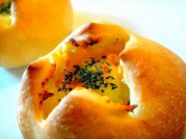 こういう惣菜パン、美味しいですよねぇ(笑)