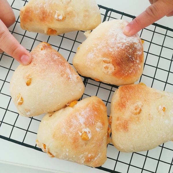 切りっぱなしパン コーンパン