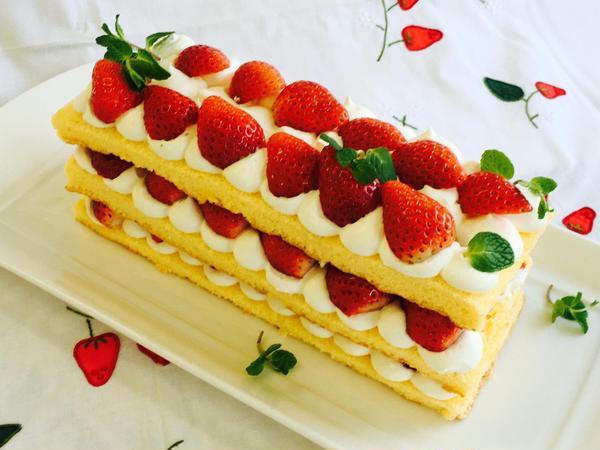 お菓子クラス「いちごのミルクケーキ」