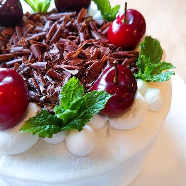 『フォレ・ノワール』…アメリカンチェリーの黒い森のケーキ♡