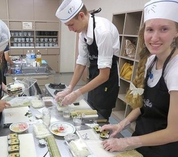 留学生とホストファミリーとで日本体験