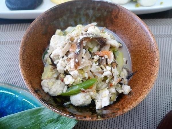 桜えび、干ししいたけ、昆布の乾物たっぷりの炒り豆腐。