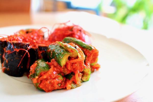 糀ヤンニョムを使って夏野菜のキムチ作り