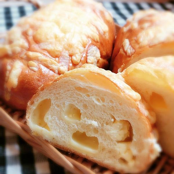 湯種が入ったチーズパンです。