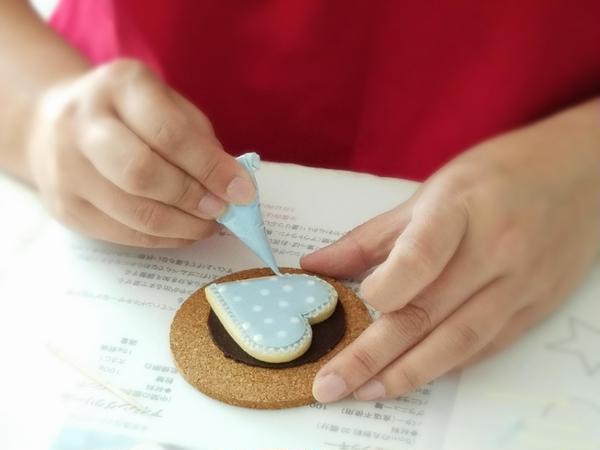 誰もがはまってしまうアイシングクッキー作り!