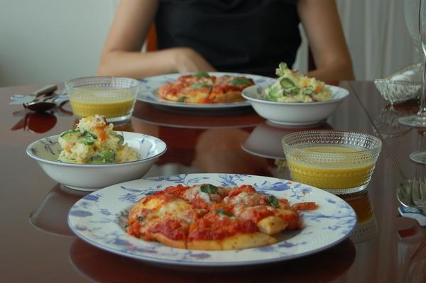 ピザ生地もトマトソースも、ポテトサラダのマヨネーズも手作り