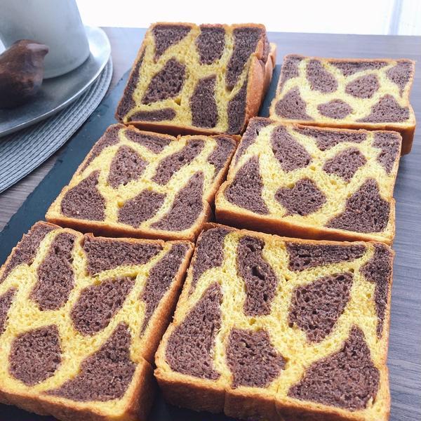 キリン柄食パン