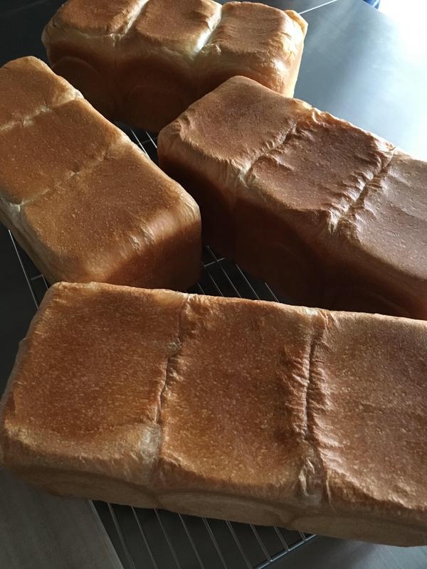 パン作り初めての方も、満足な焼き上がりです😊