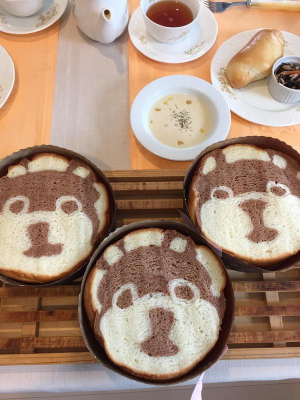 お教室の試食風景。干支パン。戌年。