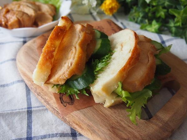 ドデカフォカッチャの鶏の甘酢煮サンド