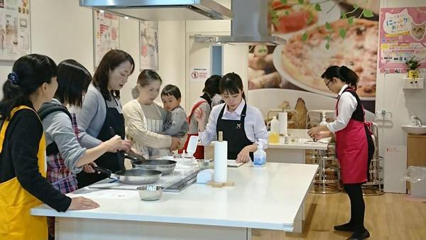 外部での料理教室講師もしています。