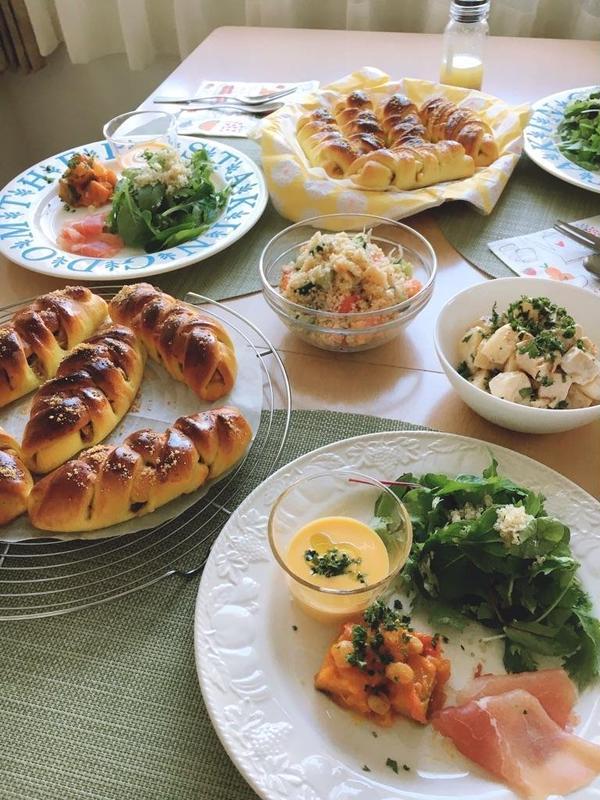 9月のレッスン風景~♪パンはツナカレーブレッド!
