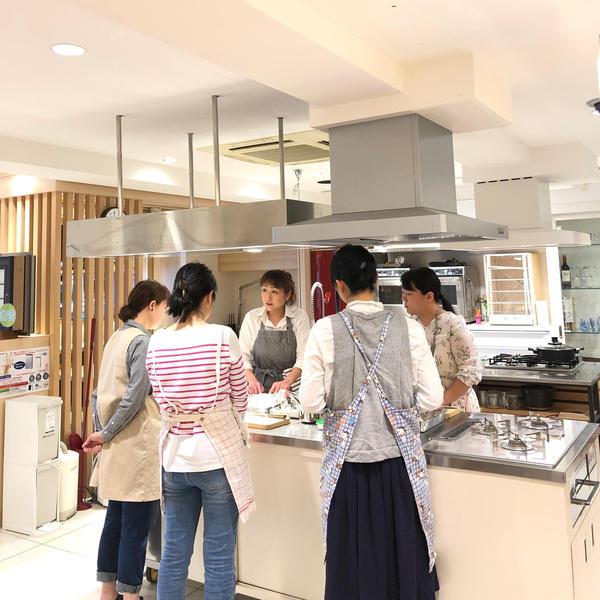 【料理】料理の基本をおさえ、広く深く学ぶことができます。
