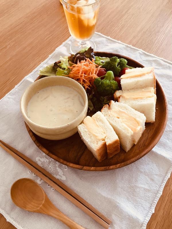だし巻きタマゴサンド、豆乳シーフードスープランチ