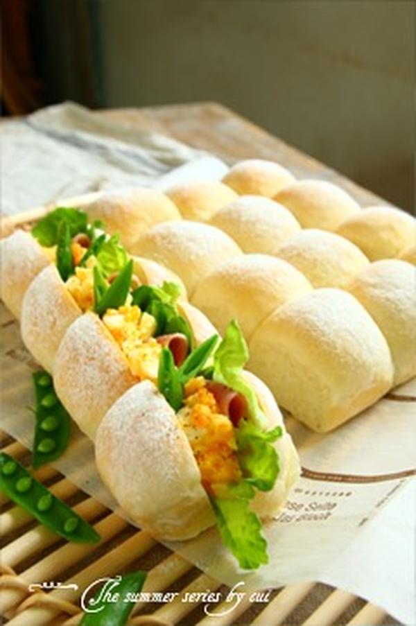 ふっわっふわの《白パンのちぎりパン》~夏の季節のパンより