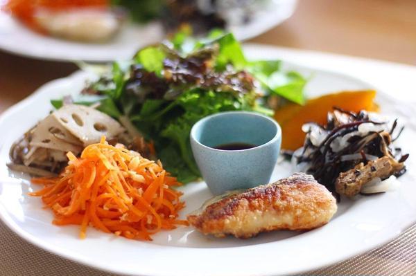 自家製麹の発酵調味料でバリエーション豊かな食卓を。