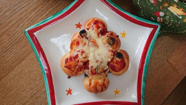 「クリスマスツリーピザパン」好評です!