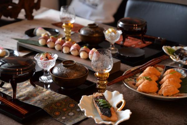 和食レッスン。骨董を使ったテーブルコーディネートです。
