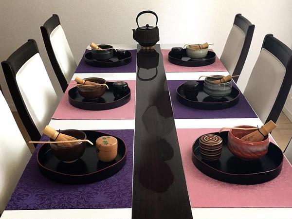 伝統ある裏千家茶道・盆略点前をテーブルで学べるチャンスです。