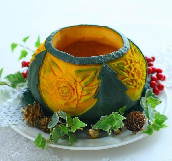 🎄ツリーとお花を彫ったカボチャの器