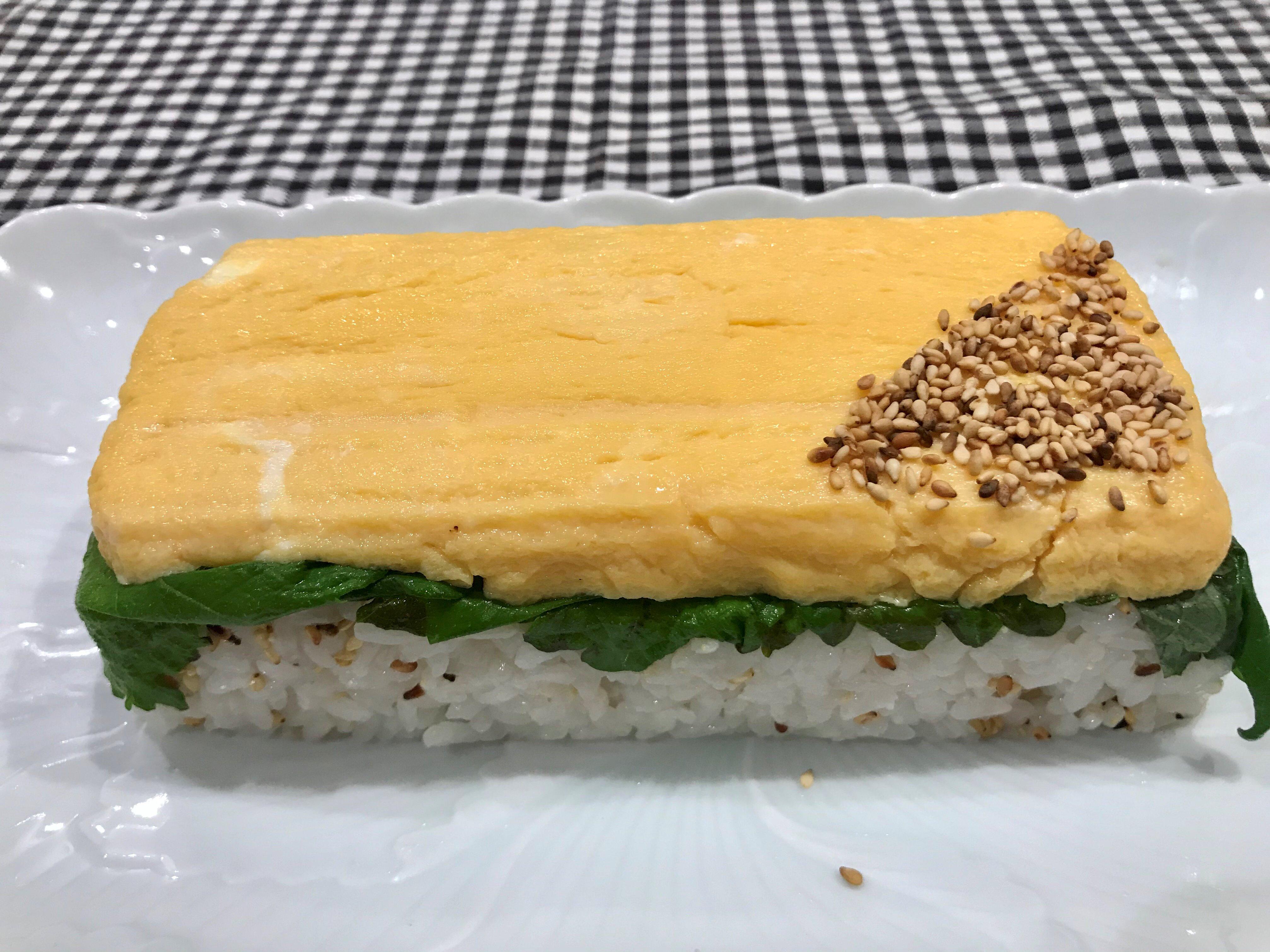 出汁巻き卵の押し寿司